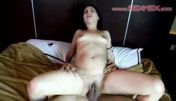 Squriting White Wife orgasm and cry