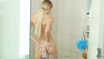 Carnal oil massage makes cutie give wet irrumation